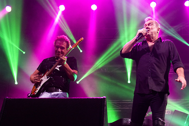 Photos of Cold Chisel live in New Zealand
