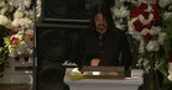 Dave Grohl, Slash & Motörhead fans celebrate Lemmy's life in moving memorial