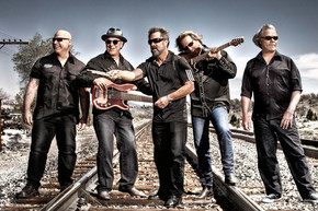 Creedence Clearwater Revisited: Up Around the Bend live