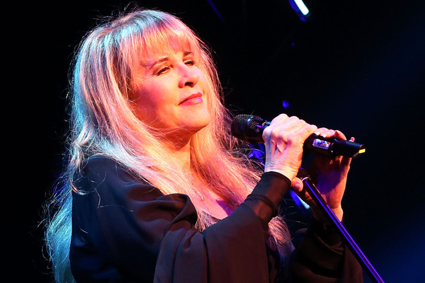 Stevie Nicks performs 'Gold Dust Woman' on her 24 Karat Gold tour
