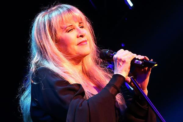 Stevie Nicks performs 'Gold Dust Woman' on her 24 Karat Gold tour