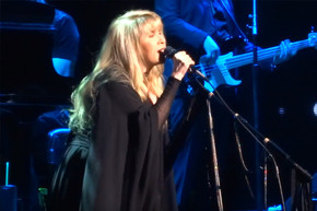 Stevie Nicks' latest performance of 'Rhiannon' is one of her best