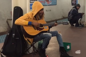 Street performer shocks everyone with amazing cover of 'Landslide'